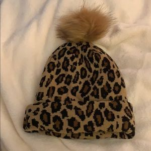 Leopard beanie with removable (pin) fur accent!